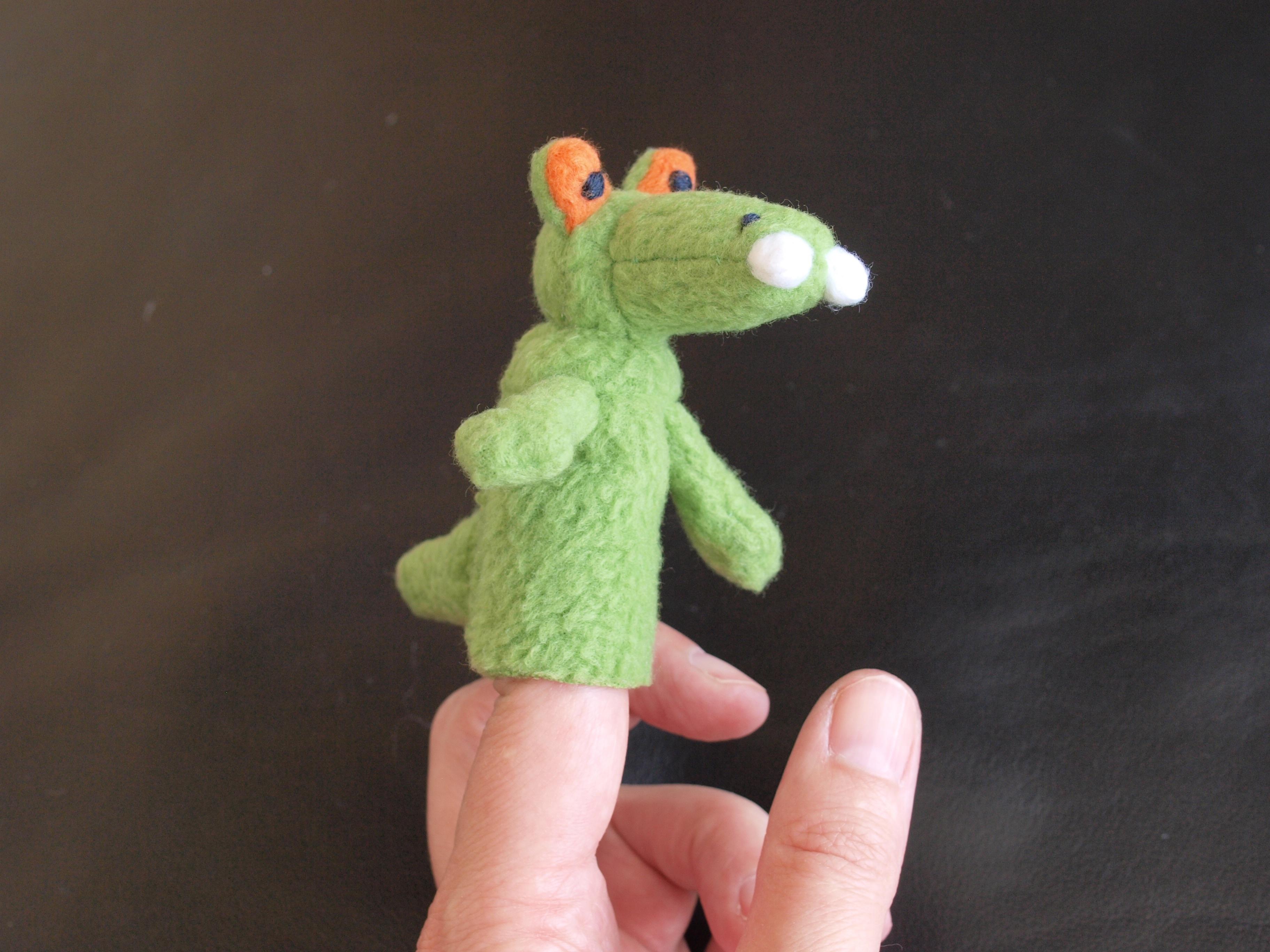 Susanne Renger › Fingerpuppe Krokodil